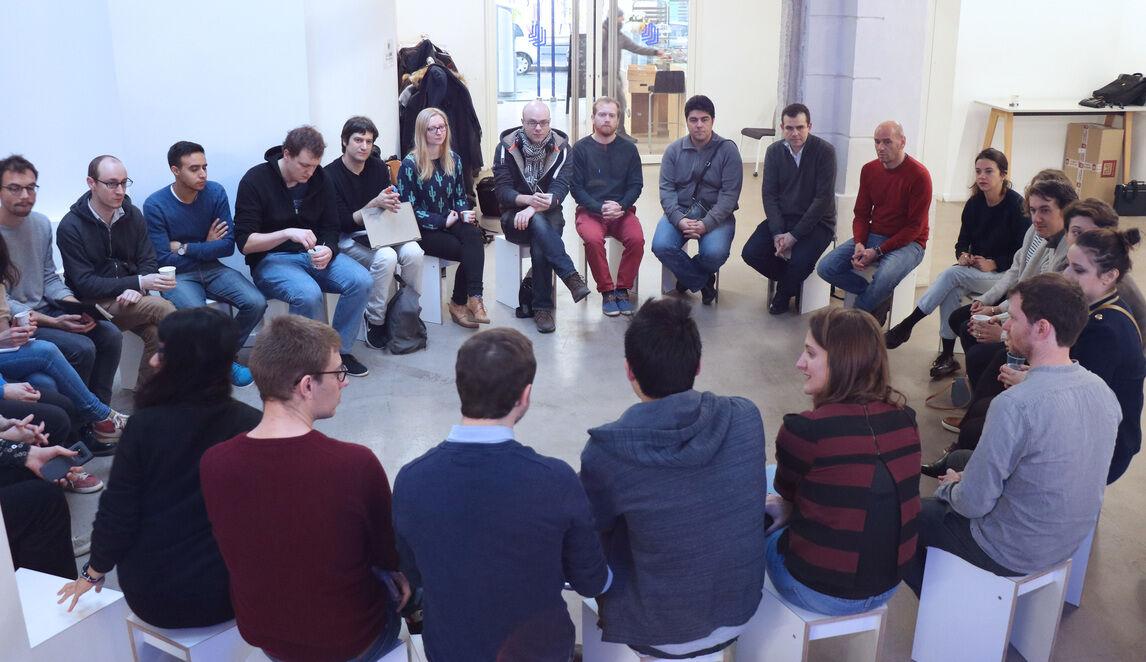 Thérapie de groupe pour les EIG!  On parle de nos expériences tech.