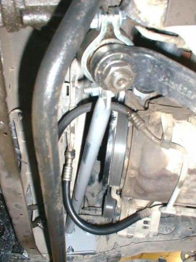 Bolt-on Jeep Cherokee XJ steering gear brace installed