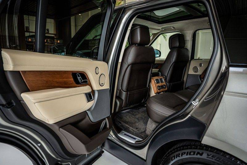 Land Rover Range Rover 4.4 SDV8 Black Pack | Panorama | Head-up Display | Trekhaak | Ambient lighting afbeelding 22