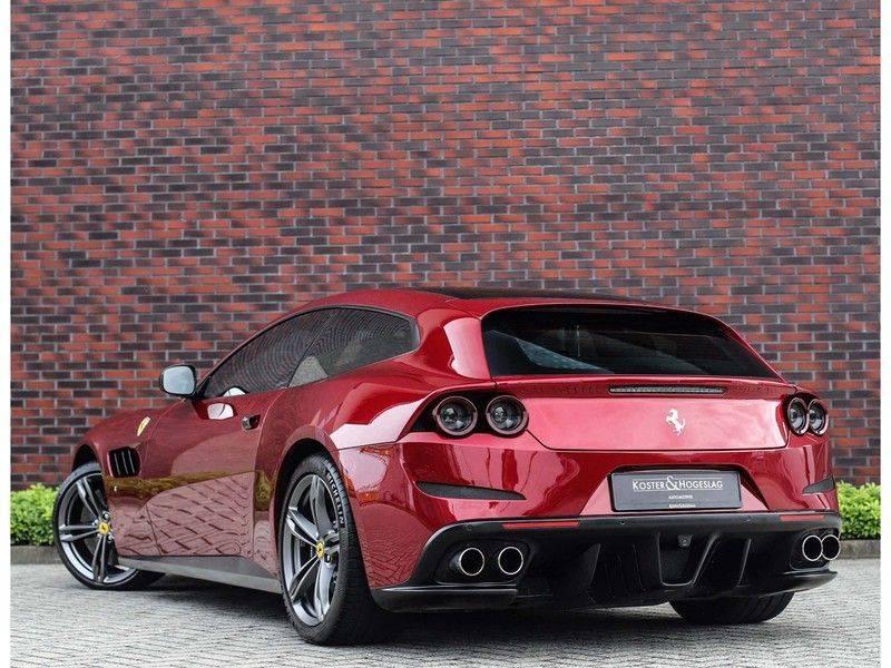 Ferrari GTC4 6.3 V12 Lusso *Panoramadak*passagiers display* afbeelding 3