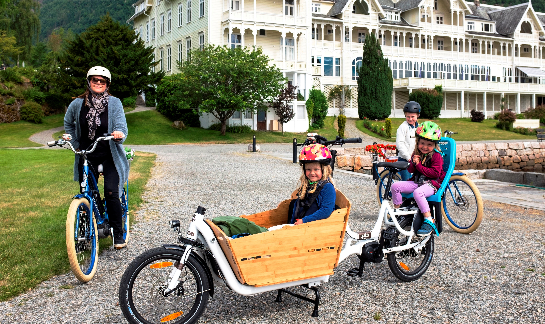 Balestrand E-Bike Rental & our child seat solution
