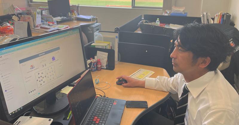 Urawa Reds Technical Director Tsutomu Nishino using the Wyscout platform in his daily work.