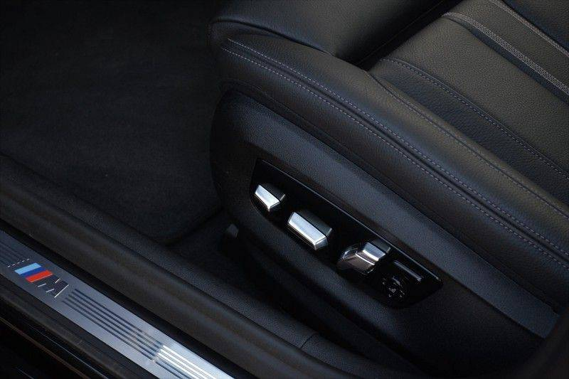 BMW 5 Serie Touring 540i xDrive 333pk M-Sport Pano Laser Comfort LiveCp DA+ HUD 20inch afbeelding 12