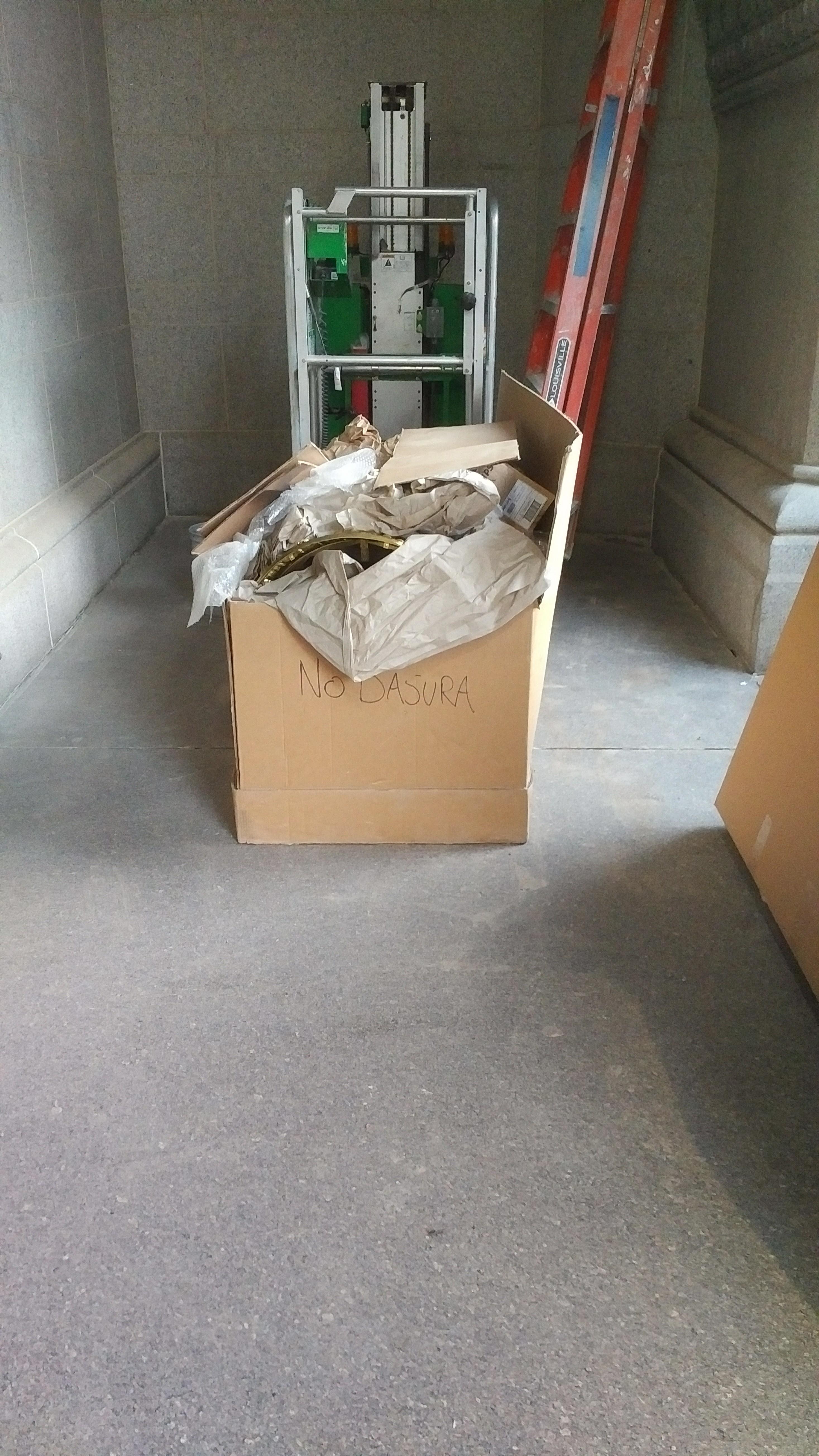 Recycling box titled No Basura