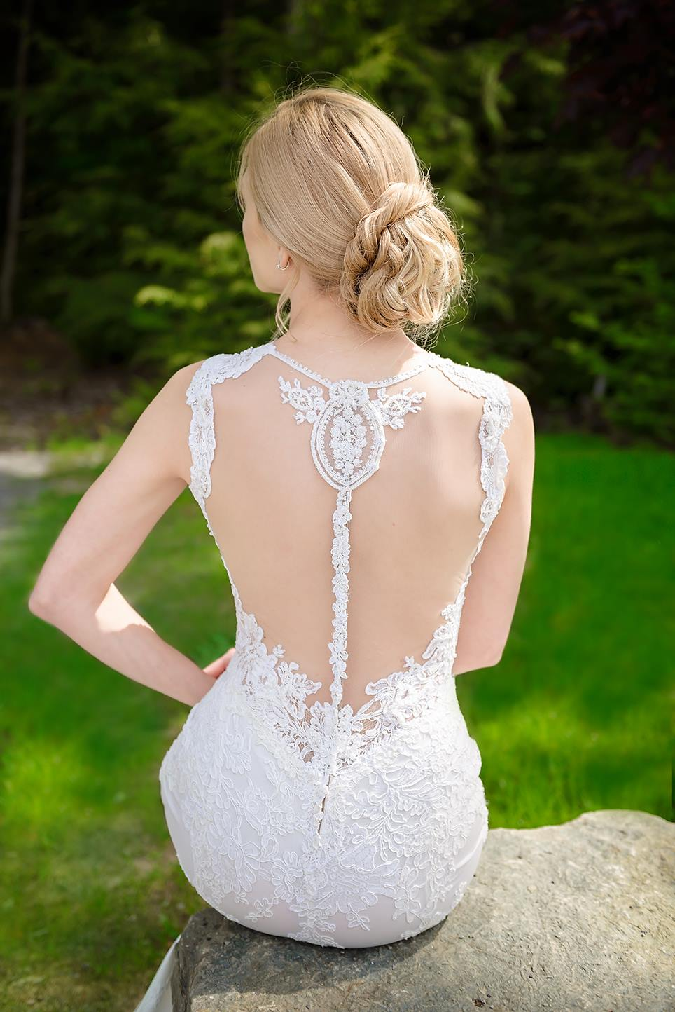 robe de mariee montreal sur mesure haute couture dos ouvert dentelle