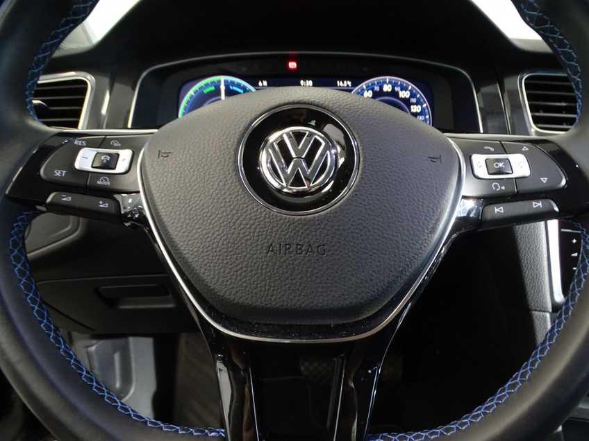 Volkswagen e-Golf e-Golf MARGE! LED Navigatie Clima Cruise Warmtepomp Virtual CP Camera afbeelding 14