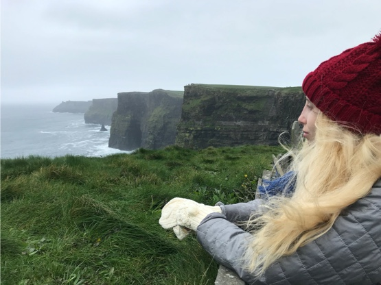Agustina Feijoo in the Cliffs of Moher