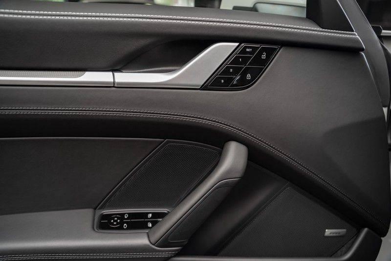 Porsche 911 992 S Krijt Sport Design Pakket 18 weg Bose Sport Chrono 3.0 Carrera S afbeelding 19