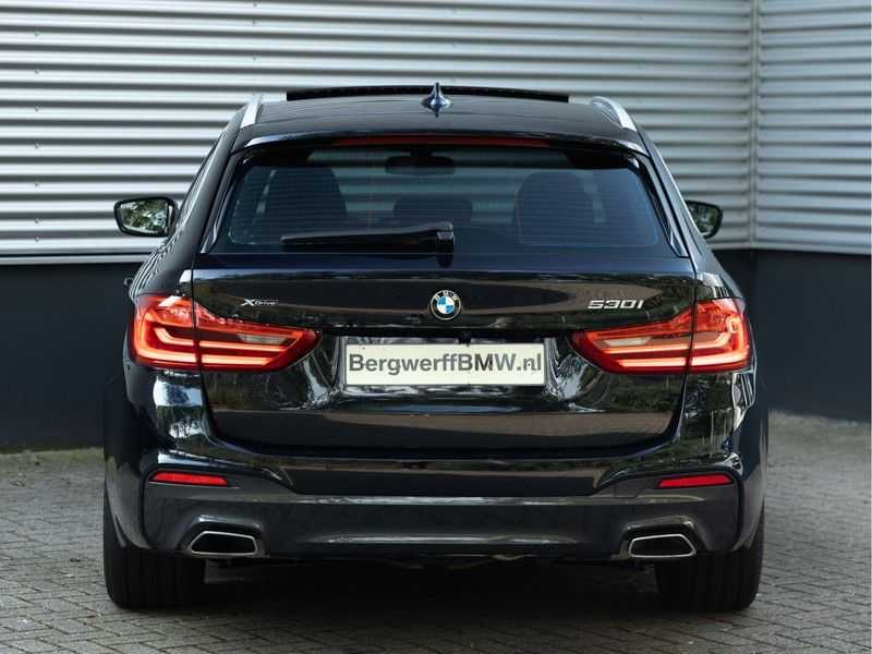 BMW 5 Serie Touring 530i xDrive M-Sport - Individual Leder - Trekhaak - Stoelventilatie afbeelding 5