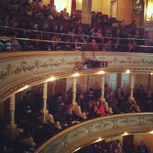 A full opera house