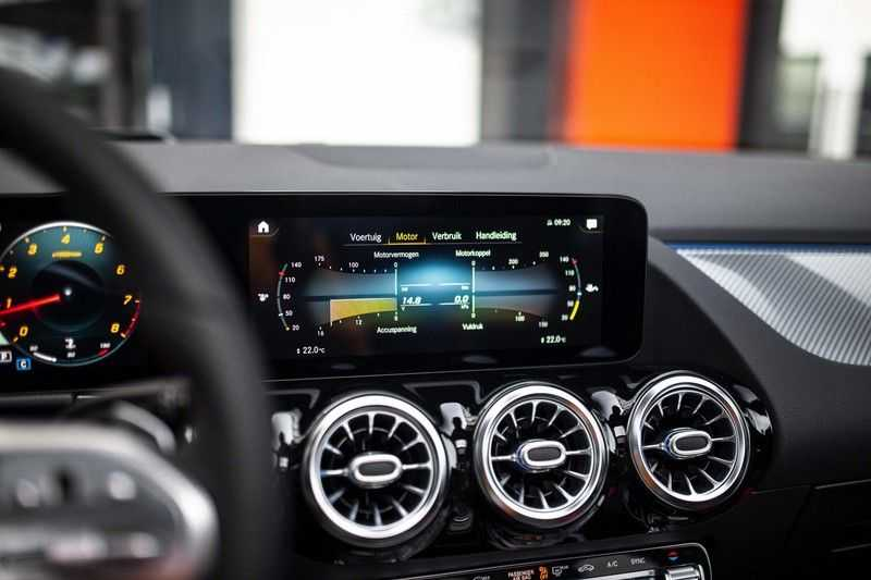 Mercedes-Benz GLA 200 AMG Line *Pano / HUD / Memorystoelen / 360 Cam / Burmester* afbeelding 19