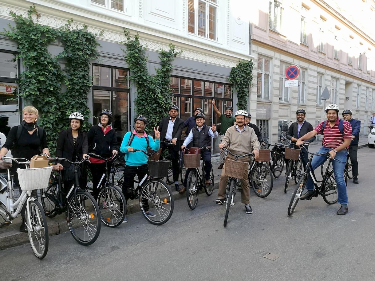 Indian delegation experience sustainable urbanism in Copenhagen by bike.