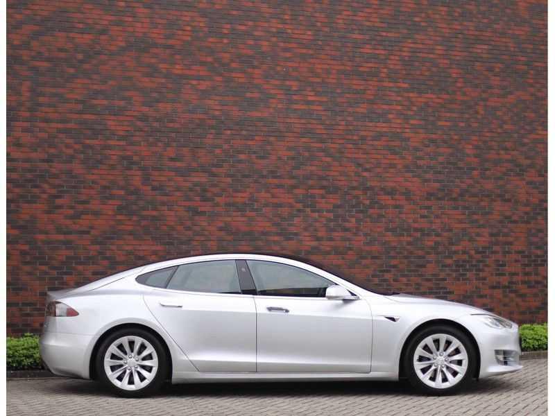 Tesla Model S 75D Base *4% t/m 06-'23*5-persoons*AutoPilot* afbeelding 7