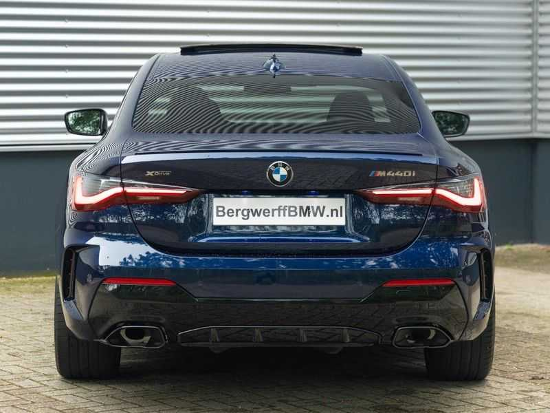 BMW 4 Serie Coupé M440i xDrive M-Sport - Head-up - Dak - Camera - DAB afbeelding 5