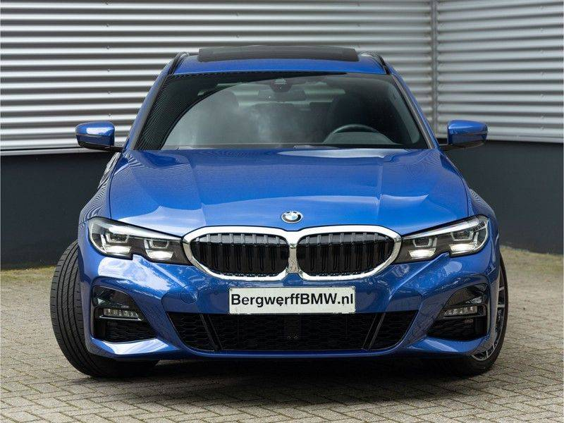 BMW 3 Serie Touring 330i M-Sport - Panorama - Trekhaak - DAB - Harman Kardon afbeelding 5