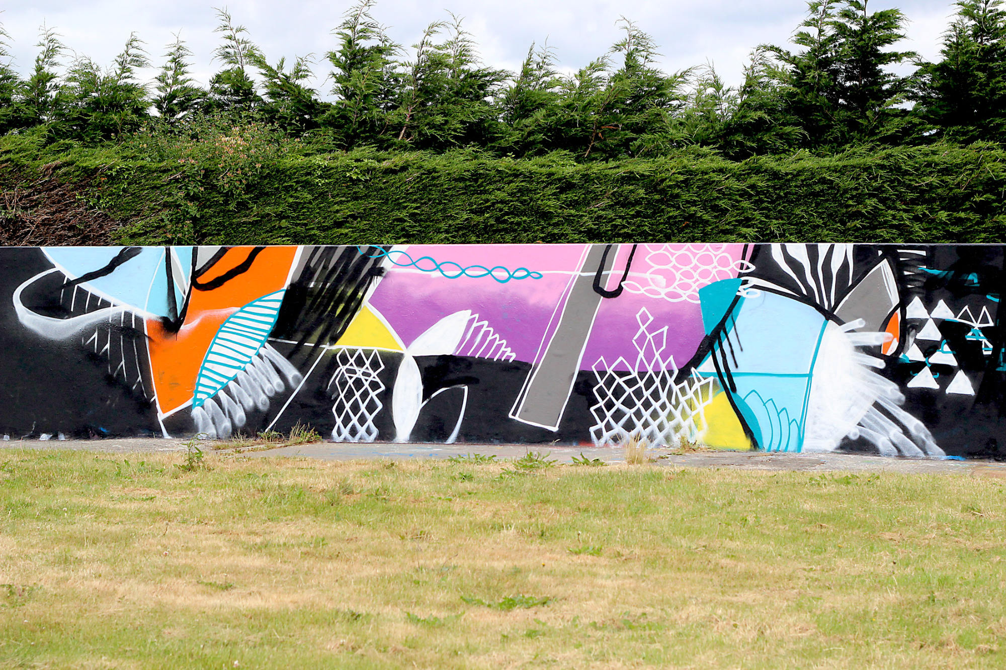 abstract-graffiti-mural-callington-street-art-cornwall-2020