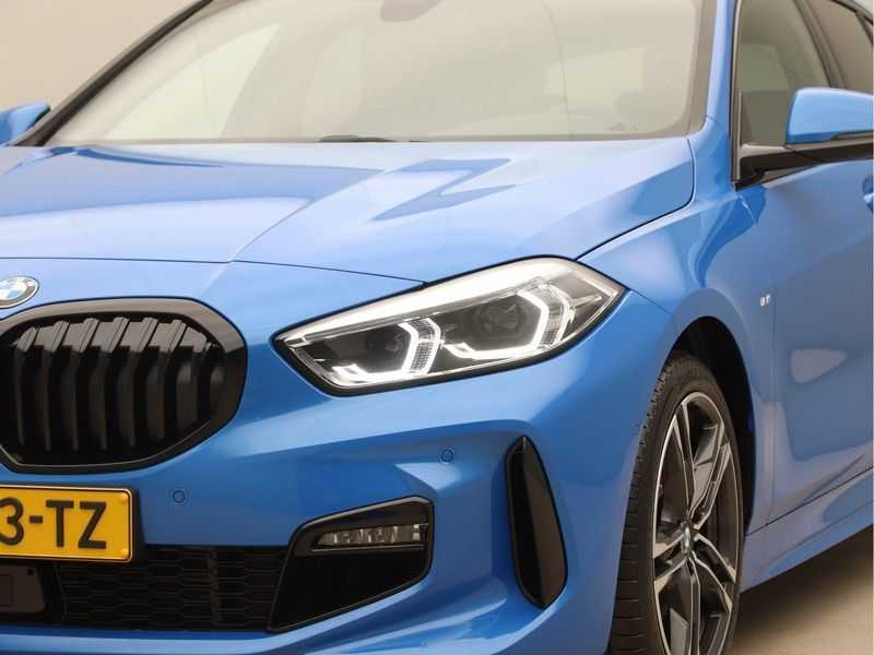 BMW 1 Serie 118i High Executive M-Sport afbeelding 24