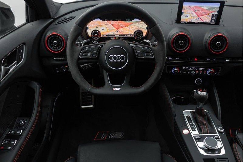"Audi RS3 Sportback 2.5 TFSI 400pk Quattro Panoramadak BlackOptic B&O Sportstoelen Led-Matrix Navi/MMI DriveSelect Carbon ACC Keyless Camera 19"" Pdc afbeelding 3"