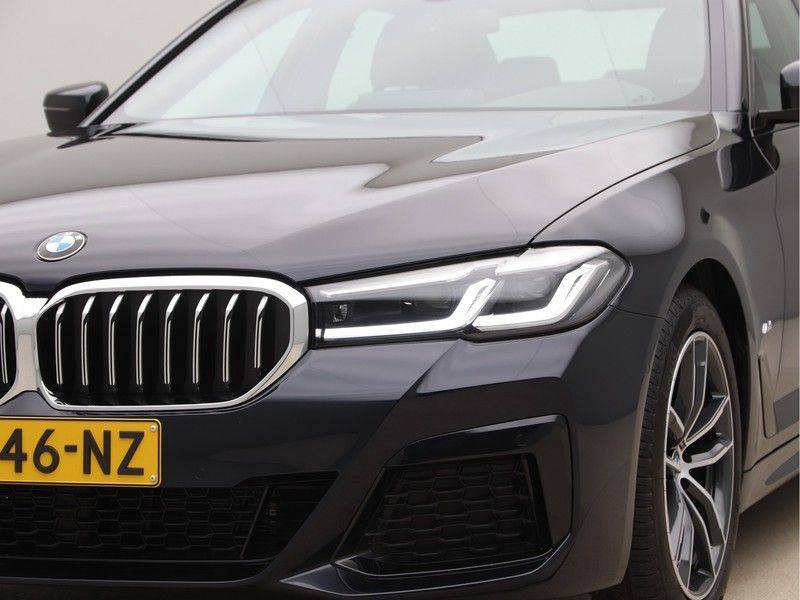 BMW 5 Serie 520i High Exe M-Sport Aut. afbeelding 21