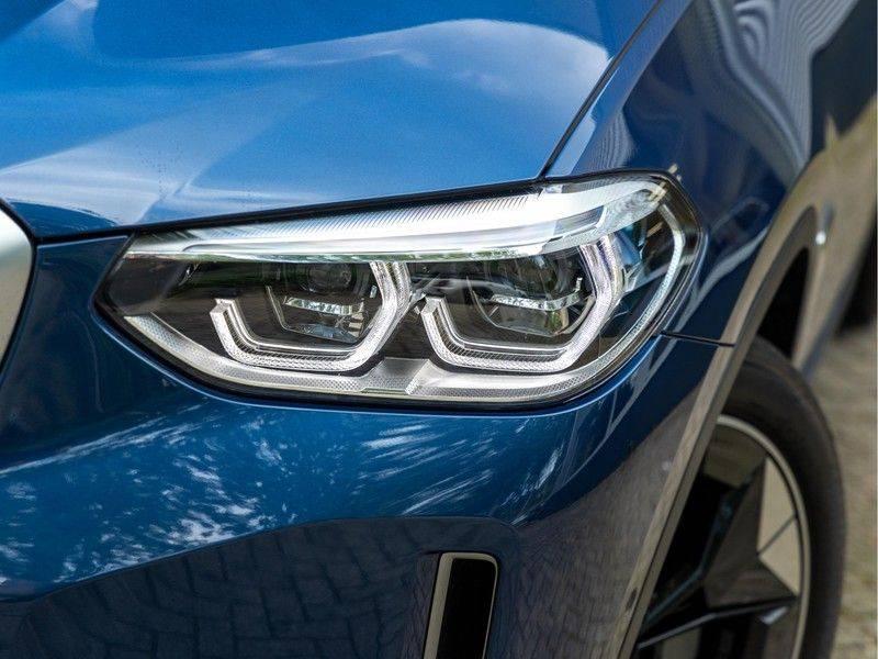 BMW iX3 High Executive - Direct Beschikbaar! afbeelding 8