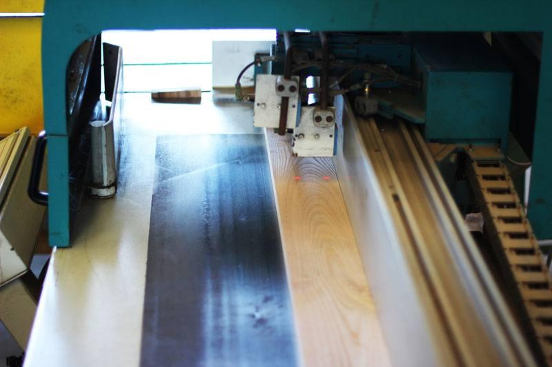 intestatrice con ottica laser per taglio legno