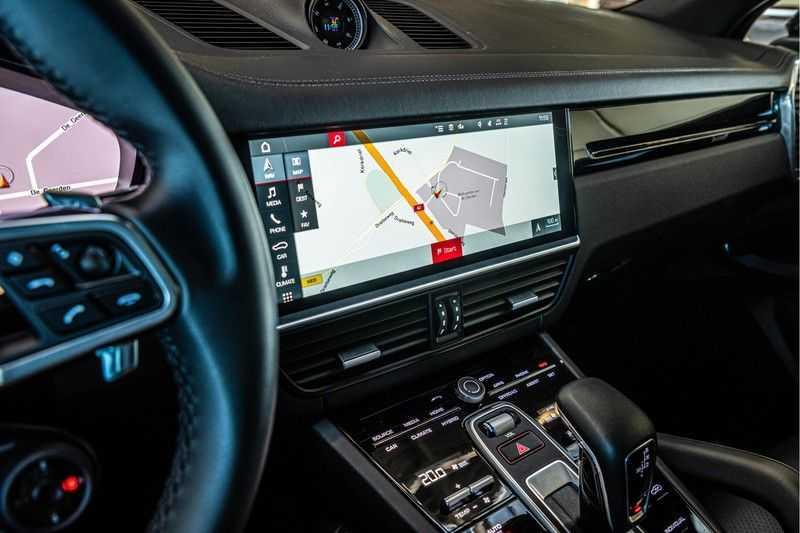 Porsche Cayenne E-Hybrid | Sport-Chrono | Panorama | BOSE | PASM | Adaptieve Sportstoelen afbeelding 21