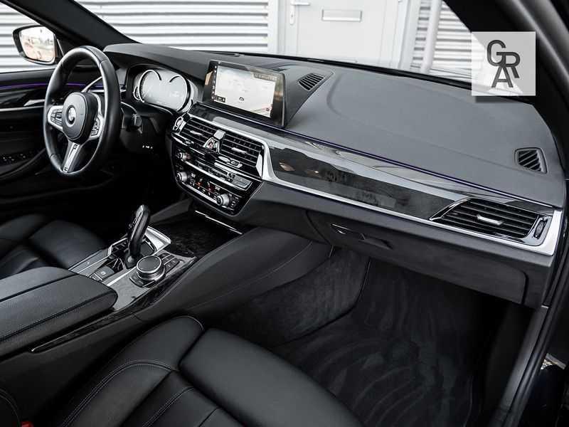 BMW 5 Serie 540i xDrive High Executive afbeelding 14