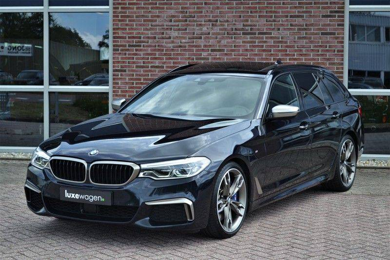 BMW 5 Serie Touring M550d xDrive 400pk Pano Standk ACC 20inch Adp-LED HUD afbeelding 12