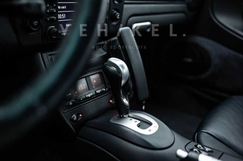 Porsche 911 3.6 Coupé Carrera 4 // Nachtblau // Mint condition afbeelding 18