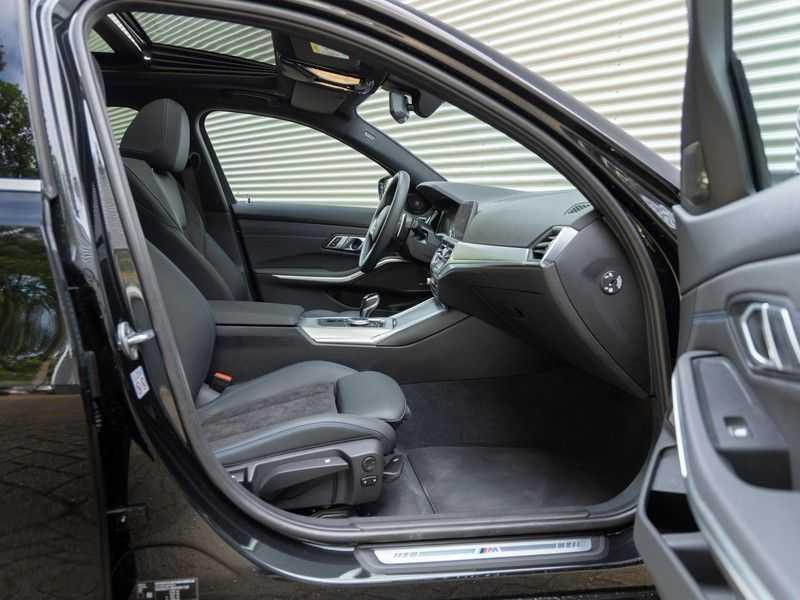 BMW 3 Serie Touring 330i M-Sport - Panorama - Trekhaak - Camera - Harman Kardon afbeelding 19