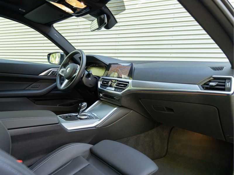 BMW 4 Serie Coupé M440i xDrive - High Executive - Dak - ACC - Harman Kardon afbeelding 5