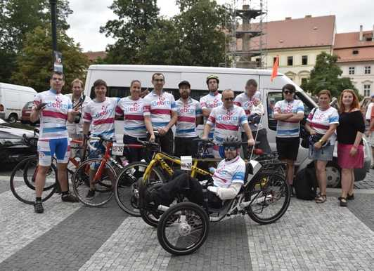 Cyklo-tým DEBRA ČR na cestě za snem