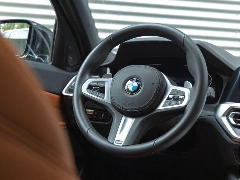 BMW 3 Serie Touring 330i M-Sport - Individual - Memoryzetel - Panorama - Trekhaak afbeelding 19