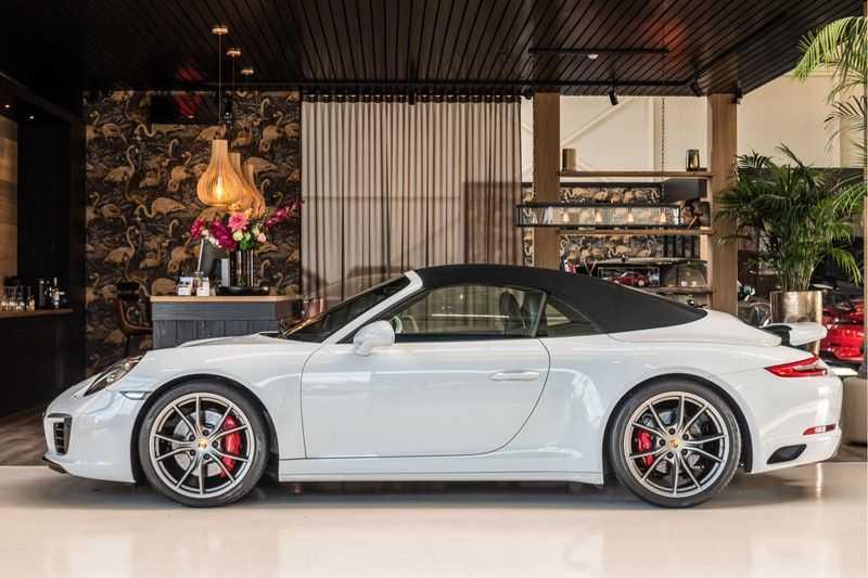 Porsche 911 Cabrio 3.0 Carrera 4S | Sportdesign | BOSE | SportChrono | Sportuitlaat | NP 184.000 afbeelding 5