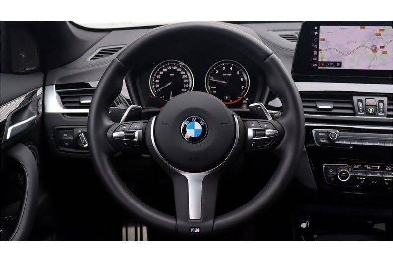 BMW X1 xDrive20i High Executive M Sport Panoramadak, Head-Up Display, Leder, Trekhaak afbeelding 10