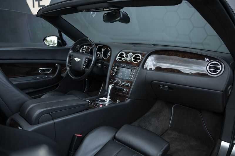 Bentley Continental GTC 6.0 W12 + Dealer onderhouden + Excellent Condition afbeelding 22