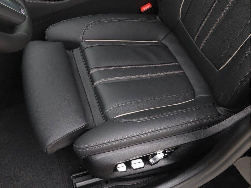 BMW 5 Serie Sedan 520i High Executive M-Sport Automaat afbeelding 14