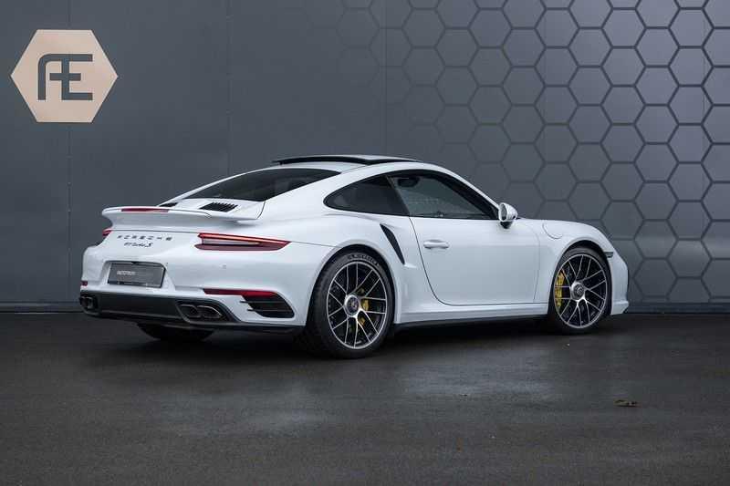 Porsche 911 Turbo S 991.2 3.8 Carbon seats + Keramisch + 4-wiel best. + NP € 331.000,- + Dak + Carbon + Bose + Carplay + ACC afbeelding 7
