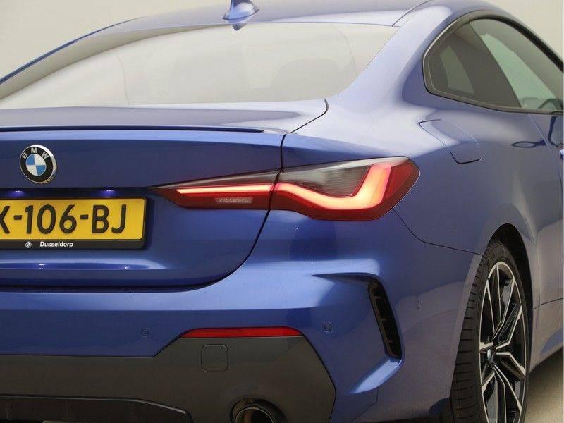 BMW 4 Serie Coupé 430i High Exe M-Sport Aut. afbeelding 21