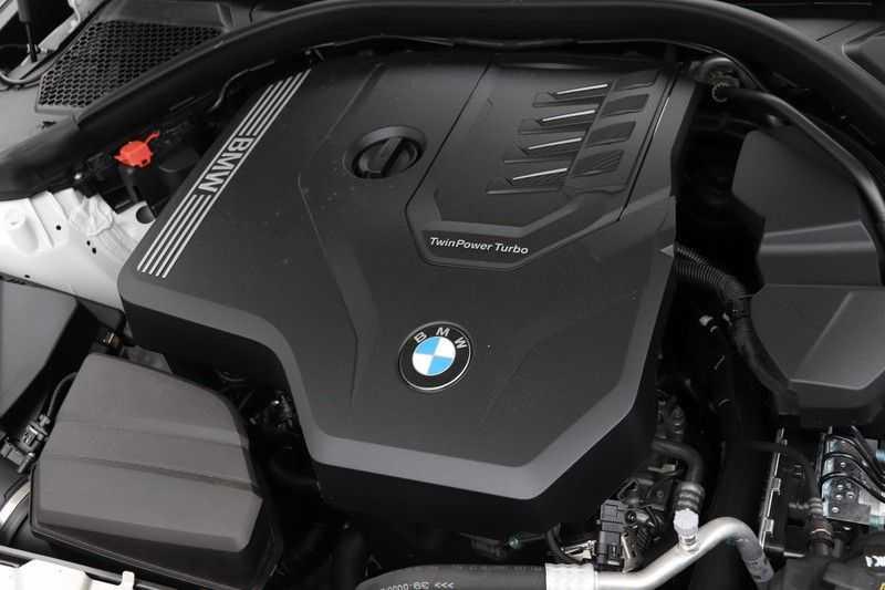 BMW 3 Serie Touring 320i Executive M Sport Aut. afbeelding 11