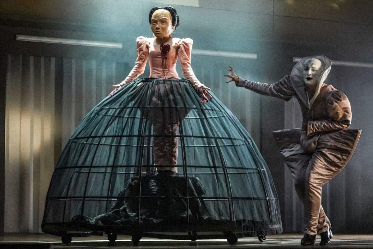 Театральная постановка подраме Шиллера «Мария Стюарт», Национальный театр Мангейма, Германия. Источник: nationaltheater-mannheim.de
