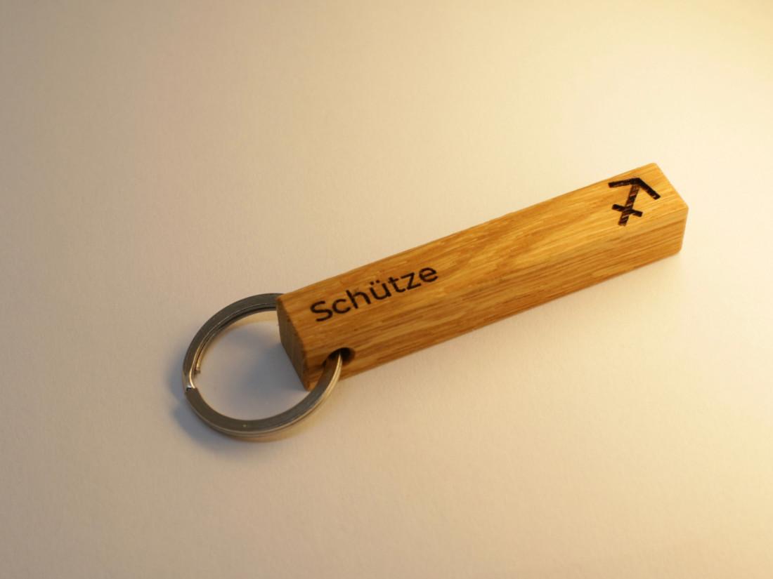 Schlüsselanhänger mit Sternzeichen Schütze als persönliches Geschenk.