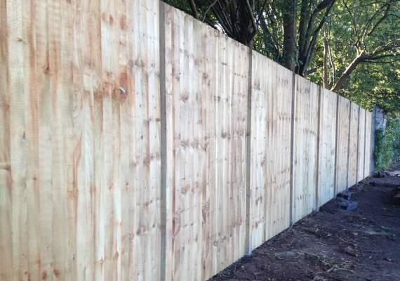 closeboard wooden fencing