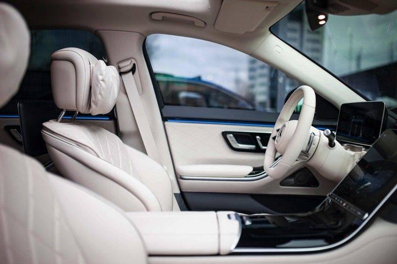 "Mercedes-Benz S-Klasse 500 4Matic Lang AMG NP €193.000 *Pano / 3D Burmester / HUD / Distronic / 21"" / 3D Display* afbeelding 7"