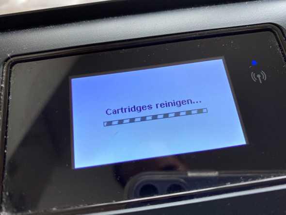 printer die zelf aangeeft dat cartidges moeten worden gereinigd