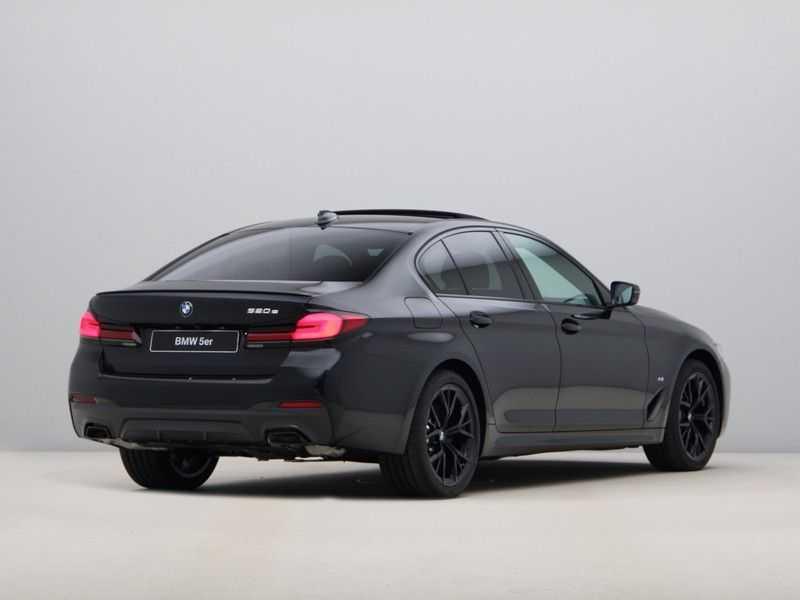 BMW 5 Serie 520e Sedan High Exe M-Sport Hybrid afbeelding 4