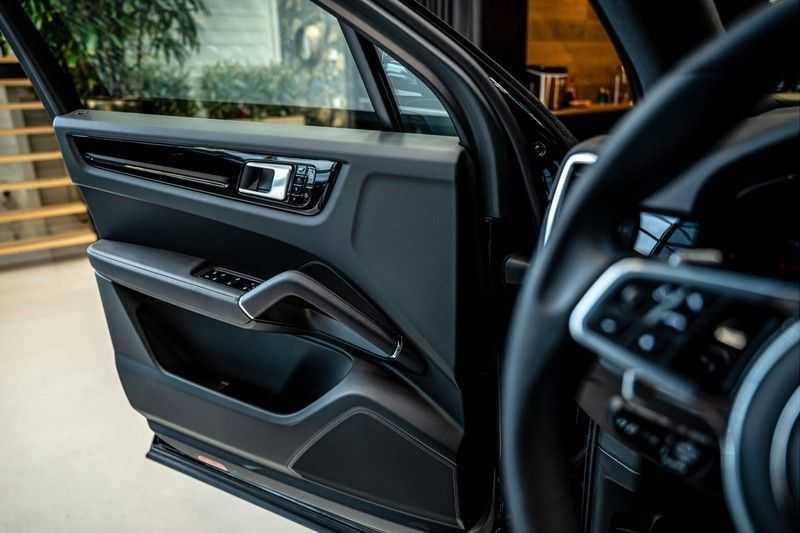 Porsche Cayenne 3.0 E-Hybrid | Panorama | Memory | 360 gradencamera | Sport Chrono | DAB afbeelding 10