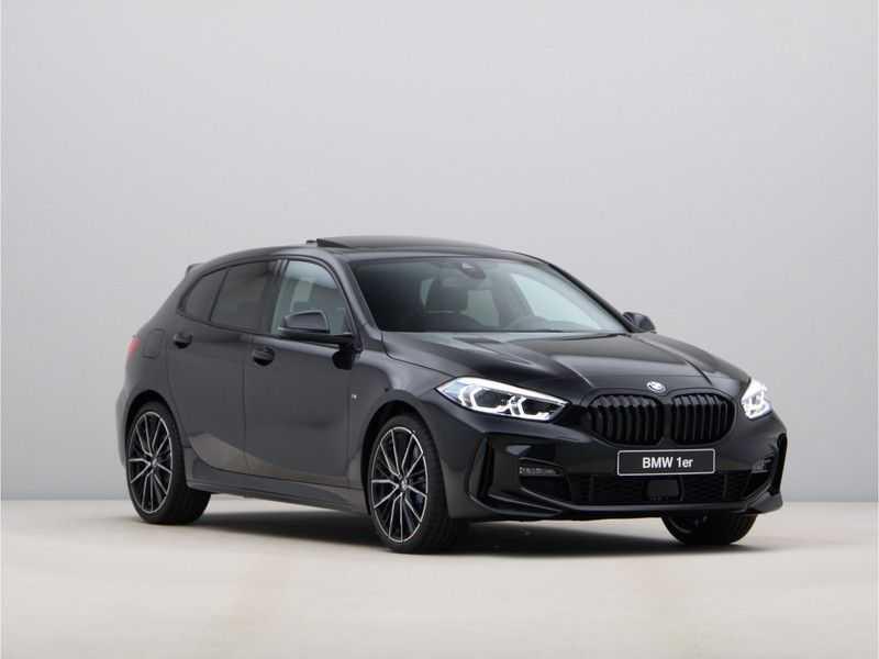 BMW 1 Serie 118i Corporate Executive M Sport afbeelding 2