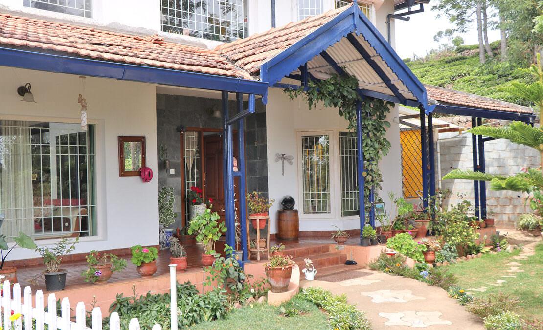 Entrance with a typical English verandah