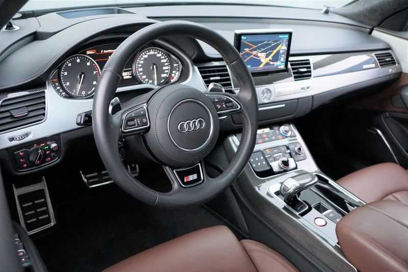 Audi S8 4.0 TFSI quattro Pro Line+ / B&O / Nightvision / Side- & Lane assist / Schuifdak / Head-Up afbeelding 10